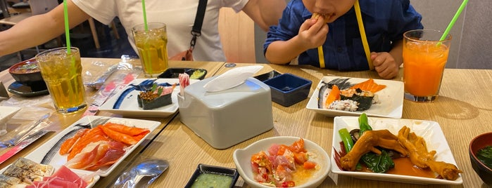 Oishi Eaterium is one of darunee 🌸 님이 좋아한 장소.
