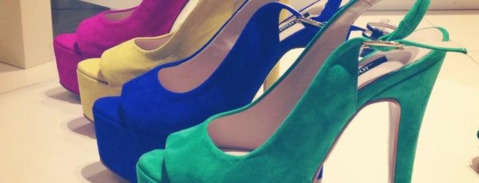 İnci Shoe Store is one of Must-visit Giyim Mağazaları in Antalya.