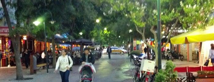 Peatonal Miramar is one of Orte, die Fernando gefallen.