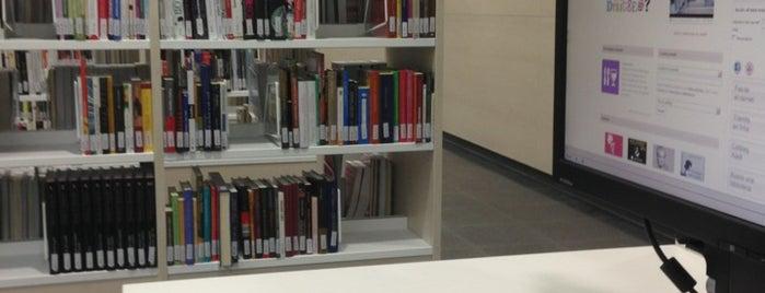 Biblioteca Ateneu les Bases is one of Orte, die Eduard gefallen.