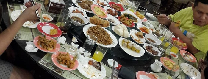 Golden Dragon Palace is one of Medan culinary spot.