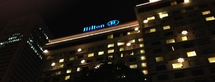 Hilton is one of Charmaineさんのお気に入りスポット.