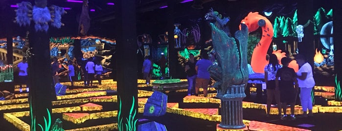 Monster Mini Golf is one of Miniature Golf.