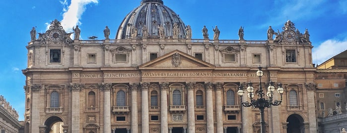 aziz petrus bazilikası is one of Roma.