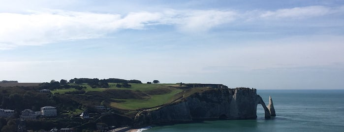 Falaises d'Étretat is one of Marc 님이 좋아한 장소.
