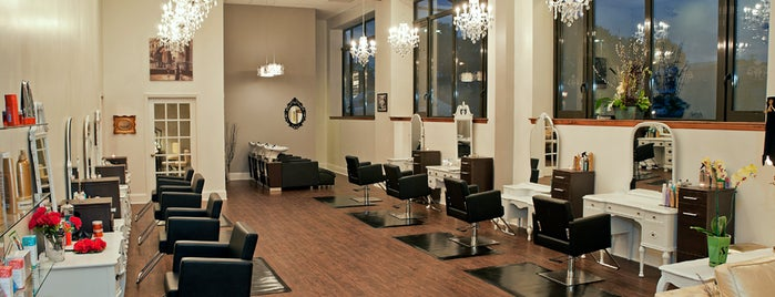 Plum Salon and Spa is one of Lugares favoritos de Chrissy.