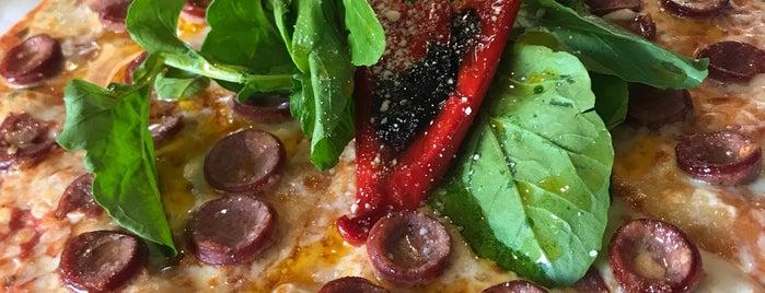 Pizza Locale is one of İzmir Gidilecek Yerler.