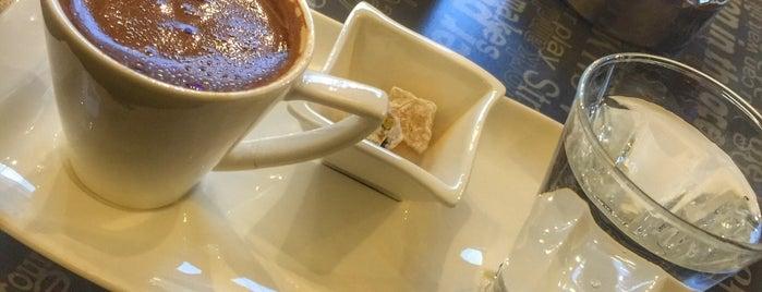 Aşikâr Cafe is one of Rüzgar Özkan'ın Kaydettiği Mekanlar.