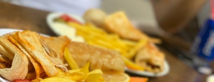 Tarboush طربوس syrian restaurant is one of สถานที่ที่บันทึกไว้ของ Tuncay.