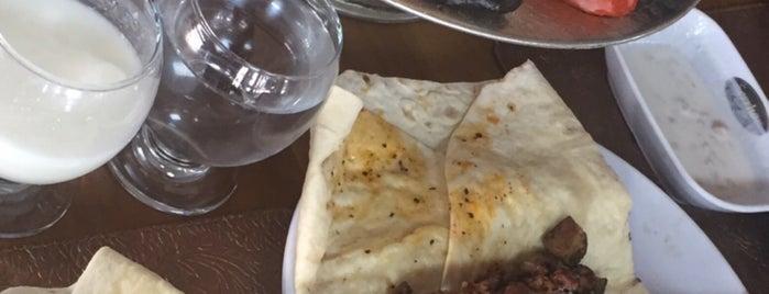 Serrhan Restaurant Ocakbaşı is one of Lugares favoritos de Merve.