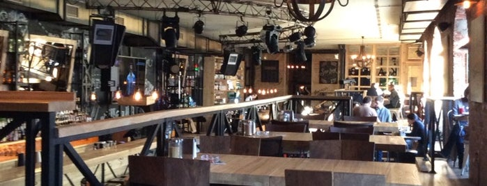 Fabrika Bar is one of Lieux qui ont plu à A.
