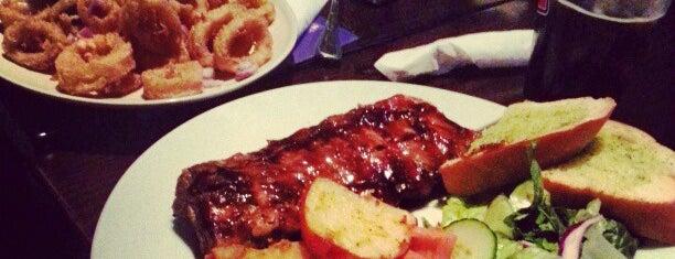 Purple Olive Grill is one of Posti che sono piaciuti a Michelle.