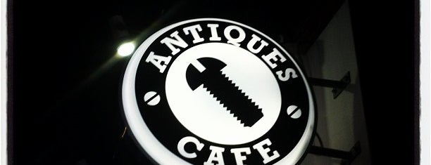 ANTIQUES CAFE is one of ぎゅ↪︎ん 🐾'ın Kaydettiği Mekanlar.