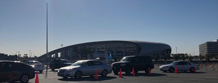 SoFi Stadium is one of EUA - Oeste.