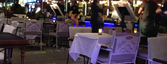 Albura Kathisma Cafe & Restaurant is one of İstanbul Yeme&İçme Rehberi - 6.