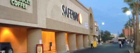 Safeway is one of Lieux qui ont plu à Alejandro.