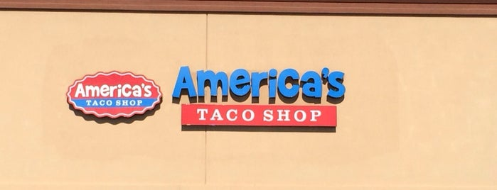 America's Taco Shop is one of Lugares favoritos de Scott.