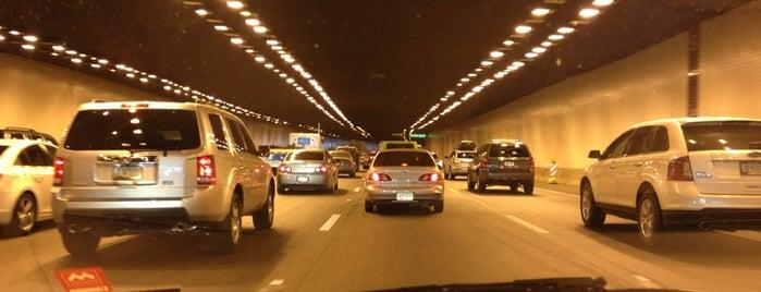 Papago Freeway Tunnel is one of Posti che sono piaciuti a Stephen G..