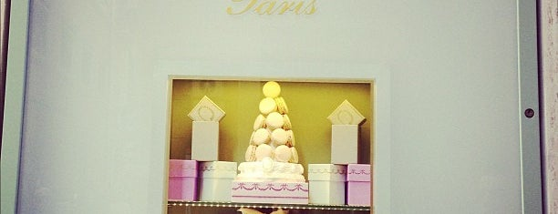 Ladurée is one of Рим.