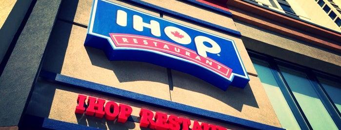 IHOP is one of สถานที่ที่ Mary ถูกใจ.