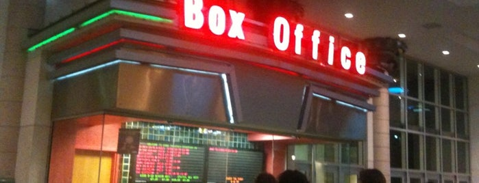 Cobb Downtown 16 Theatre is one of Foxxy 님이 좋아한 장소.