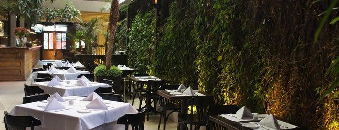 Lilló Restaurante e Pizzaria is one of Top 10 dinner spots in São Paulo.