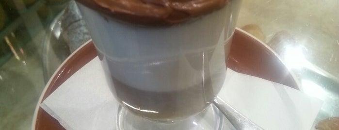 VicoloCorto Caffè&Cocktails is one of Locais curtidos por Valeria.