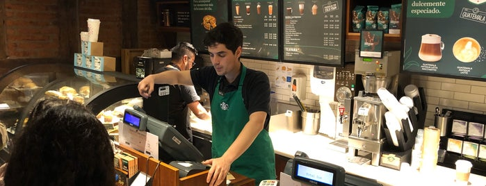 Starbucks is one of Lieux qui ont plu à Gigi.