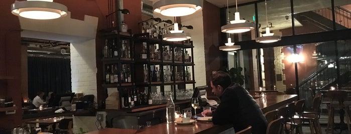 Waxman's Restaurant is one of Lugares favoritos de Tim.