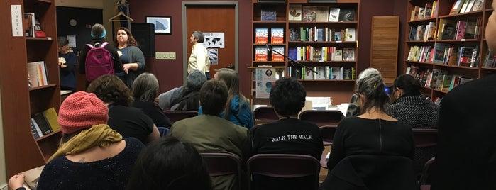 Laurel Book Store is one of Lugares favoritos de David.