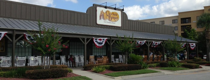 Cracker Barrel Old Country Store is one of Jacksonville.