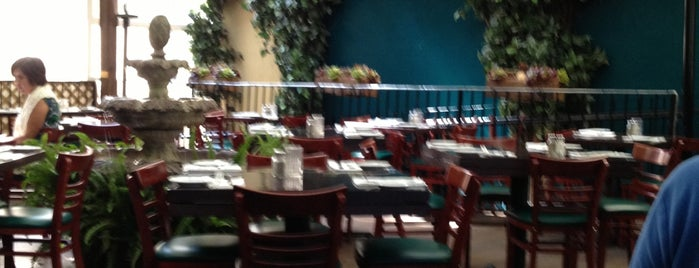 Perricone's Marketplace & Cafe is one of บันทึกเดินทาง Miami, FL (#256).