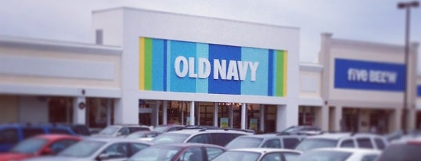 Old Navy is one of Locais curtidos por Heather.