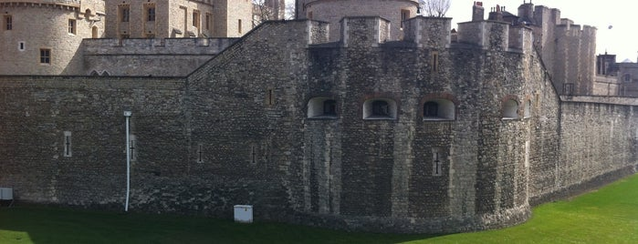 Tower of London is one of England Trip.