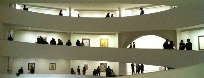 Solomon R Guggenheim Museum is one of New York.