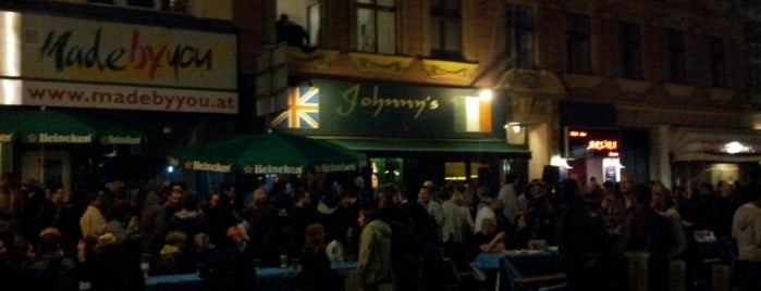 Johnny's Pub is one of Orte, die Michael gefallen.
