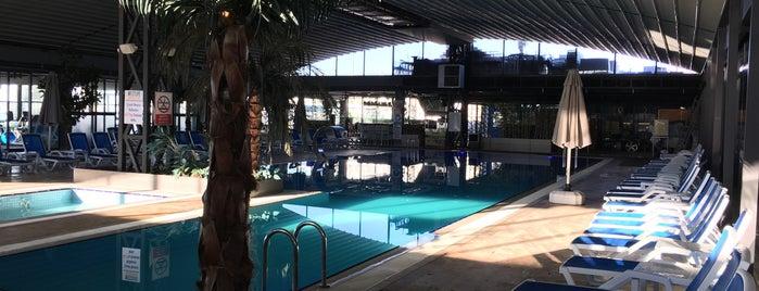 Westlife Club is one of Posti che sono piaciuti a Erkan.