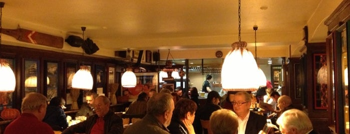 Restaurant Brasserie Anker is one of Tempat yang Disukai Anaid.