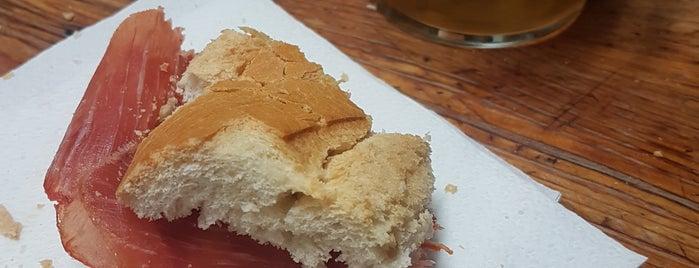 Bodega Joserra is one of Restaurantes pendientes.
