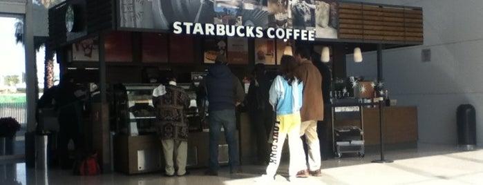 Starbucks is one of สถานที่ที่ Antonio ถูกใจ.