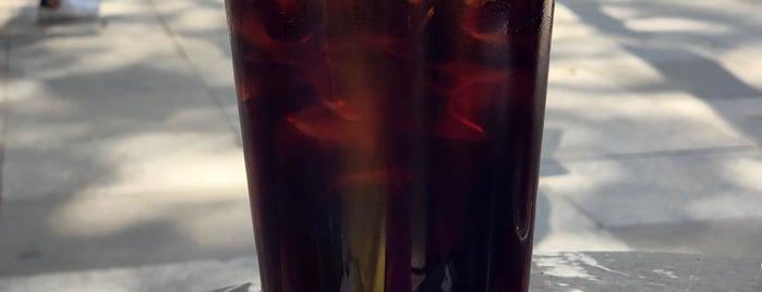 Manhattan Coffee is one of Locais curtidos por Semra.
