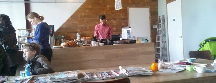 Espressofabriek is one of Lugares favoritos de Kevin.