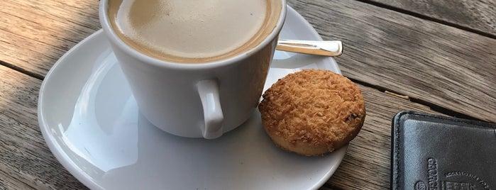 Caffe Locci'o is one of สถานที่ที่ FIRAT ถูกใจ.