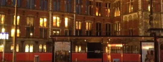 Tram 2 Centraal Station - Nieuw Sloten is one of Julia 님이 좋아한 장소.