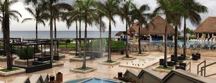 Heaven pool at The Hard Rock Riviera Maya is one of Orte, die Allison gefallen.