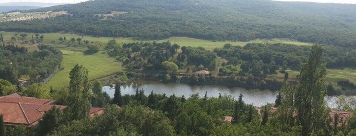 Klassis Golf & Contry Resort - Binicilik Tesisleri is one of Spor Mekanları.