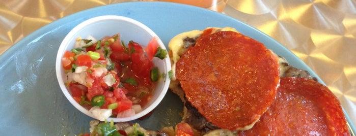 DayBreak Panineria Coffee & Breakfast & Lunch is one of Fabulosomar'ın Kaydettiği Mekanlar.