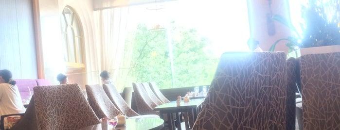 Hotel Chinzanso Tokyo is one of Orte, die Chris gefallen.