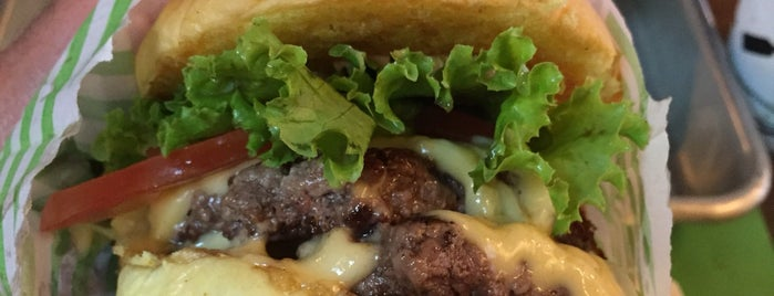 Cabana Burger is one of Tempat yang Disimpan Careca.