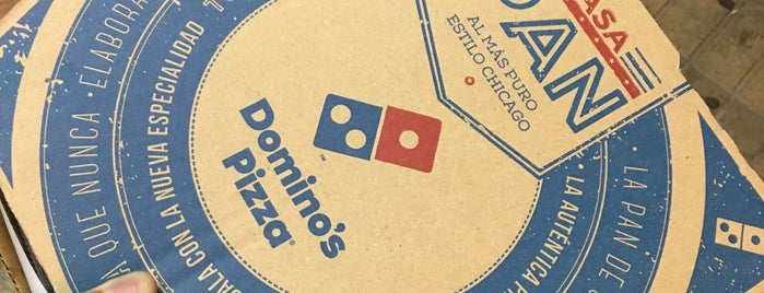 Domino's Pizza is one of Locais curtidos por Marco.